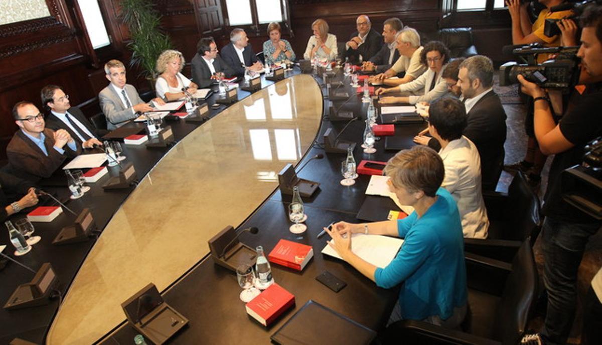 La Junta de Portavoces del Parlament, reunida de urgencia por la comparecencia de Pujol, este jueves.