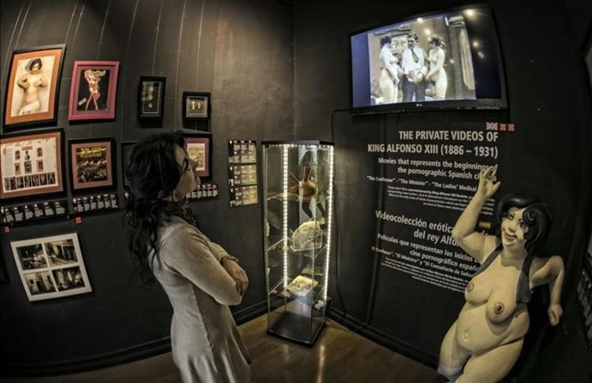 Sala de proyección del Museu de l'Eròtica de Barcelona, en la que se pasan las películas porno de la colección de Alfonso XIII.