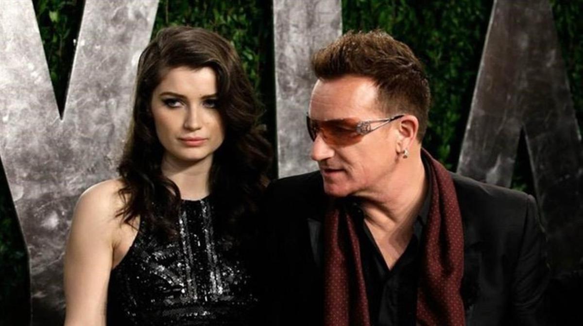 Eve Hewson con su padre, el vocalista de U2, durante la fiesta de 'Vanity Fair', que tuvo lugar después de los Oscar en febrero del 2015.