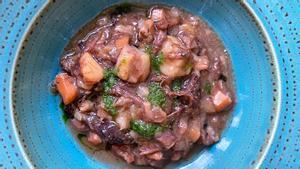 El estofado de sepia y capipota de Roger Viñas, del restaurante Avenir.