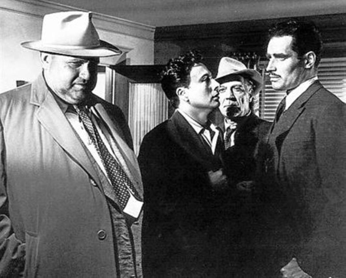 'EL CUARTO MANDAMIENTO' (1942)  La segunda cinta que dirigió.