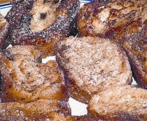 Las torrijas dan sabor al pan sobrante, siempre que no sea de gasolinera.