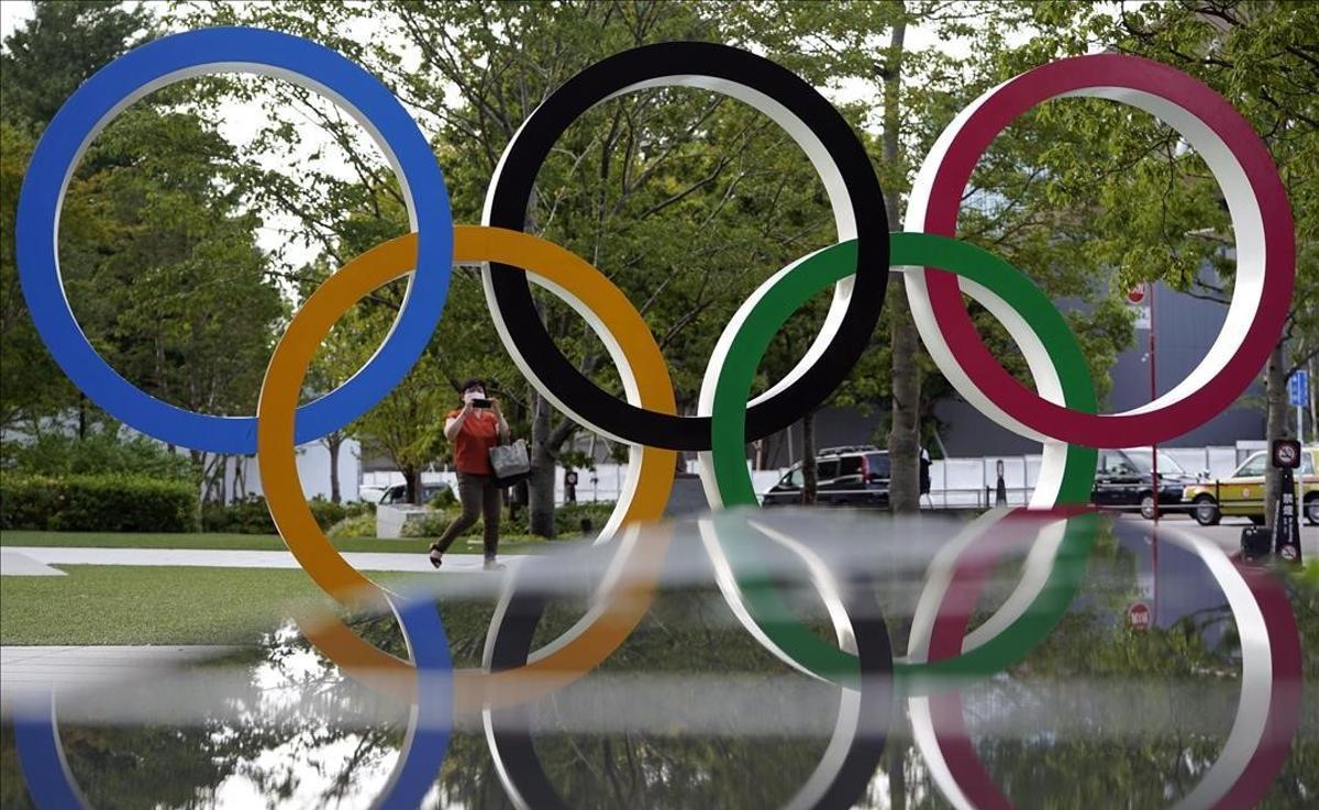 Aros olímpicos en Tokyo.