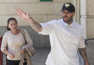 L'ultra agressor de Bilbao queda en llibertat provisional però és obligat a abandonar Sevilla