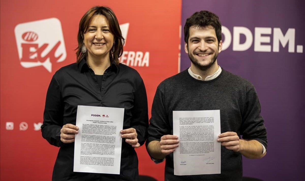 El secretario general de Podem, Antonio Estañ, y la coordinadora general de Esquerra Unida, Rosa Pérez, este viernes en València.