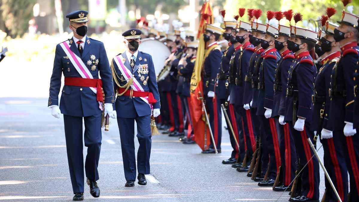 El Rey preside el día de las Fuerzas Armadas ante una parada militar reducida