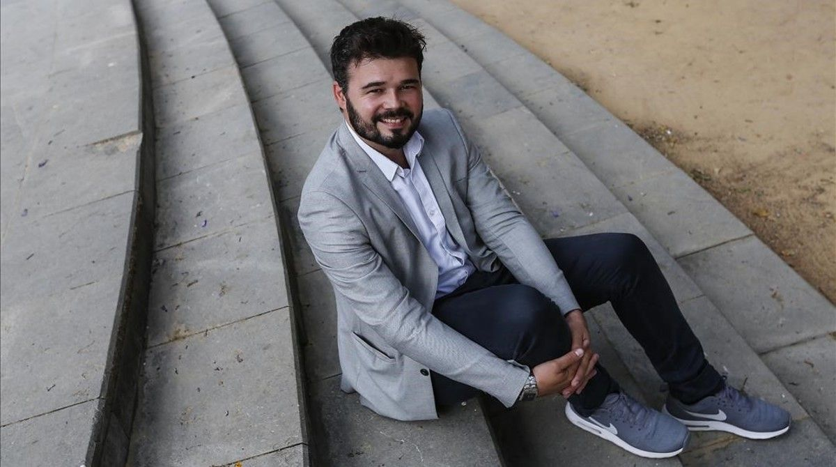 Gabriel Rufián, en la plaza de Tetuán de Barcelona.