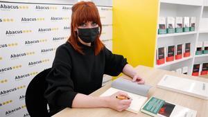 La escritora Paula Bonet en el Espai Abacus, el pasado 21 de abril.