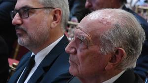 Mariano Puig (en primer término) y su hijo Marc, en el homenaje que le hizo el IEF en 2019.