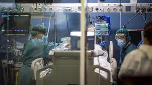 La uci de 'pacientes covid' del Hospital del Mar, el 8 de enero.