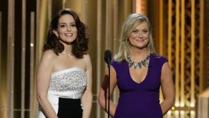 Tina Fey y Amy Poehler, presentadoras de los Globos de Oro.