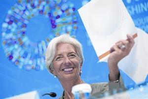 Christine Lagarde responde a los periodistas en la rueda de prensa celebrada ayer en Washington.