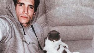 Jaime Lorente, en una imagen doméstica colgada en Instagram durante el confinamiento.