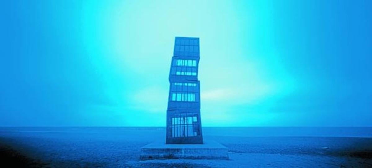 'Records urbans' y, abajo, 'La casa de Rebeca Horn a la platja de Barcelona'.