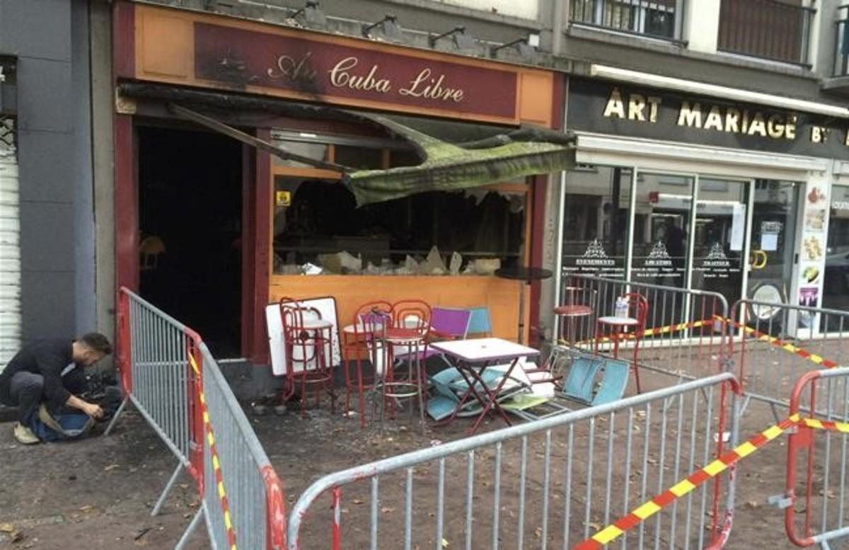 El bar Reunión Cuba Libre, en Rouen (Francia), tras el incendio de la pasada noche.