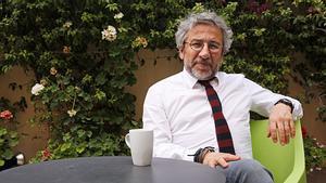 Turquia demana a la Interpol la detenció del periodista Can Dündar