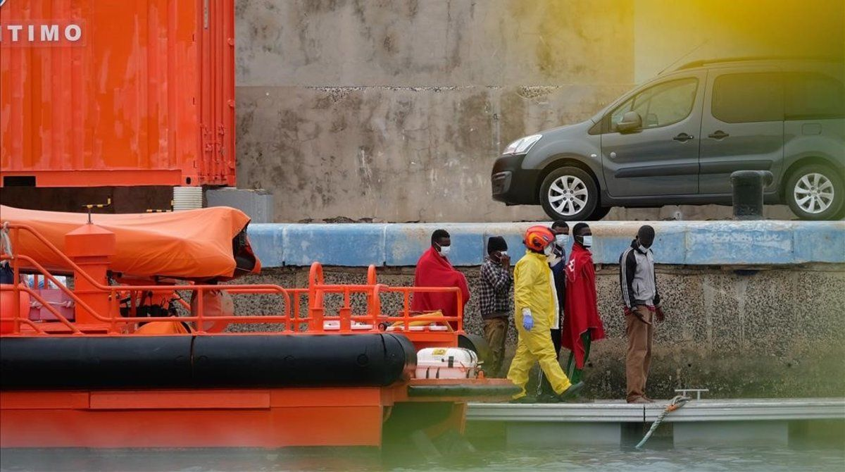 Salvamento Marítimo salva a 39 refugiados cerca de la isla de Fuerteventura