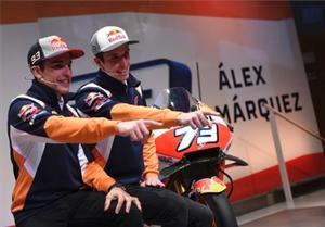 Los hermanos Márquez en la presentación de Álex como nuevo miembro de Repsol Honda.