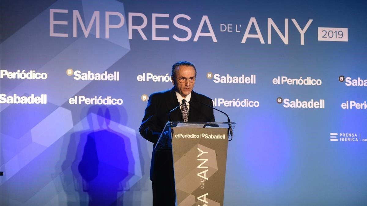 Javier Moll se dirige a los invitados en los premios Empresa del Año.