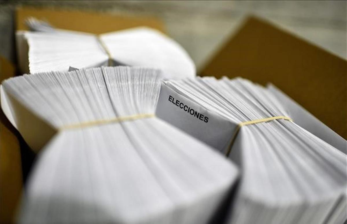 Una caja con papeletas de las elecciones generales del 2019.