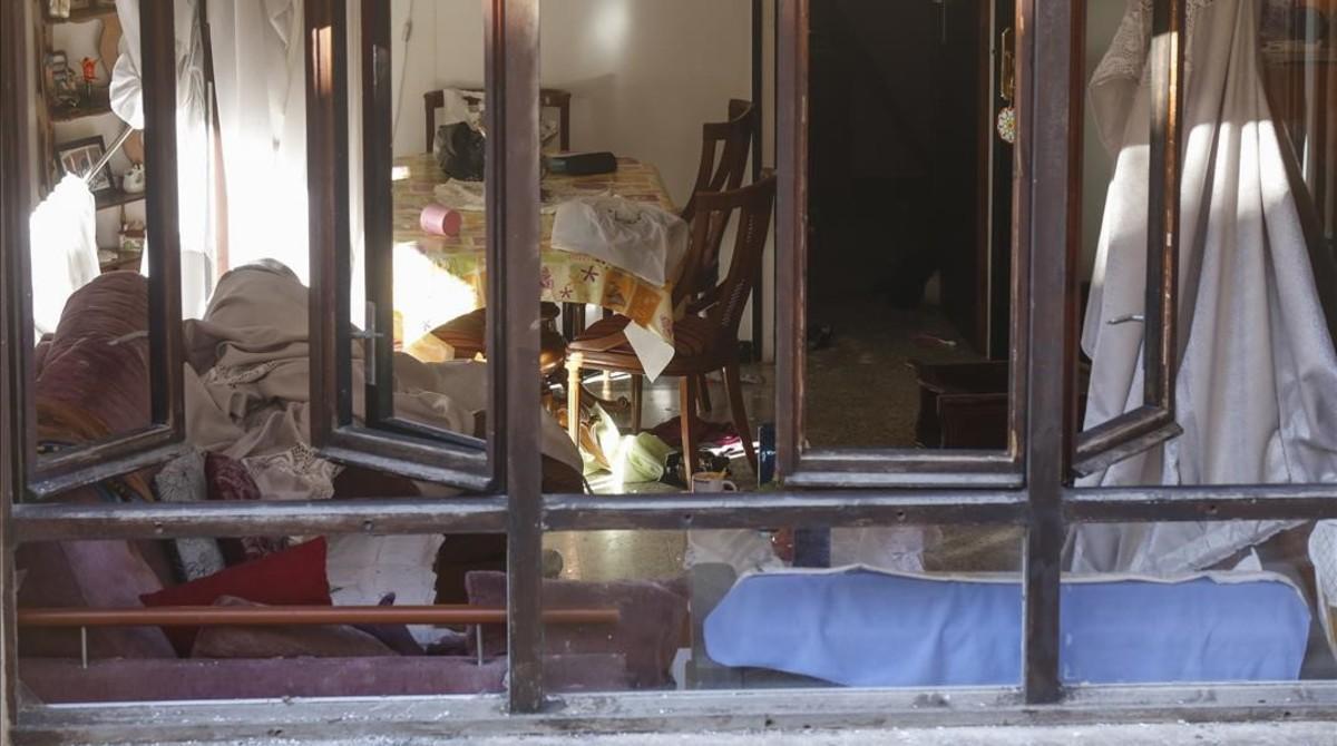 Vista del interior de una de las viviendas del edificio siniestrado de Premià de Mar.