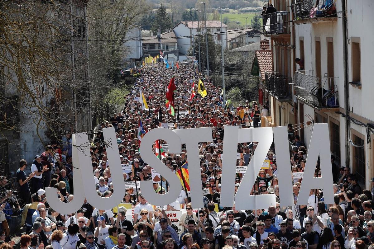 Manifestación para pedir justicia y proporcionalidad en el caso Alsasua, en la localidad Navarra, en marzo del 2019.