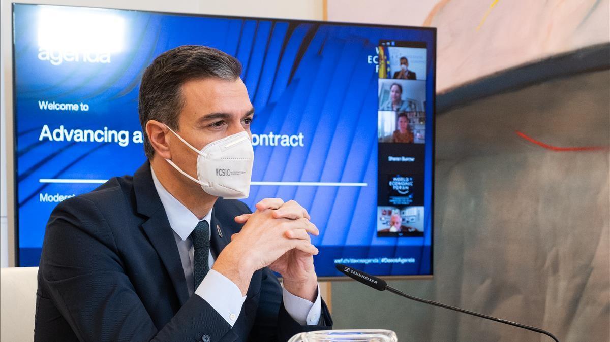 El presidente del Gobierno, durante la reunión telemática del Encuentro de Davos.
