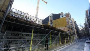Edificio en construcción en la calle Poeta Cabanyes, 23, del barrio del Poble Sec.