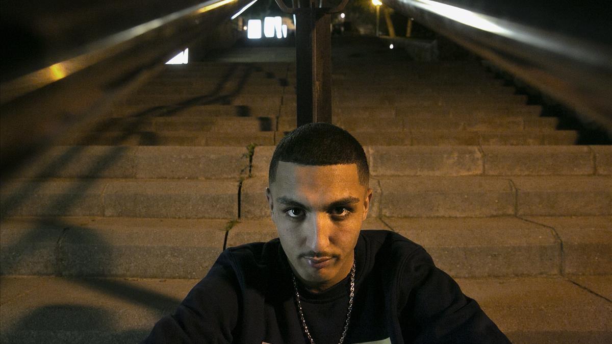 Morad, en las escaleras de la estación de metro de La Florida.