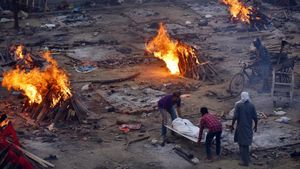 Crematorio en India tras el aumento de contagiaos de Covid.