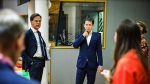 El primer ministro holandés, Mike Rutte, y el austriaco, Sebastian Kurz, en Bruselas.