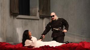 El barítono Christopher Maltman,Don Juan, y Miah Persson, DoñaAnna, en un ensayo del 'Don Giovanni' de Mozart que este sábado llega al Liceu.