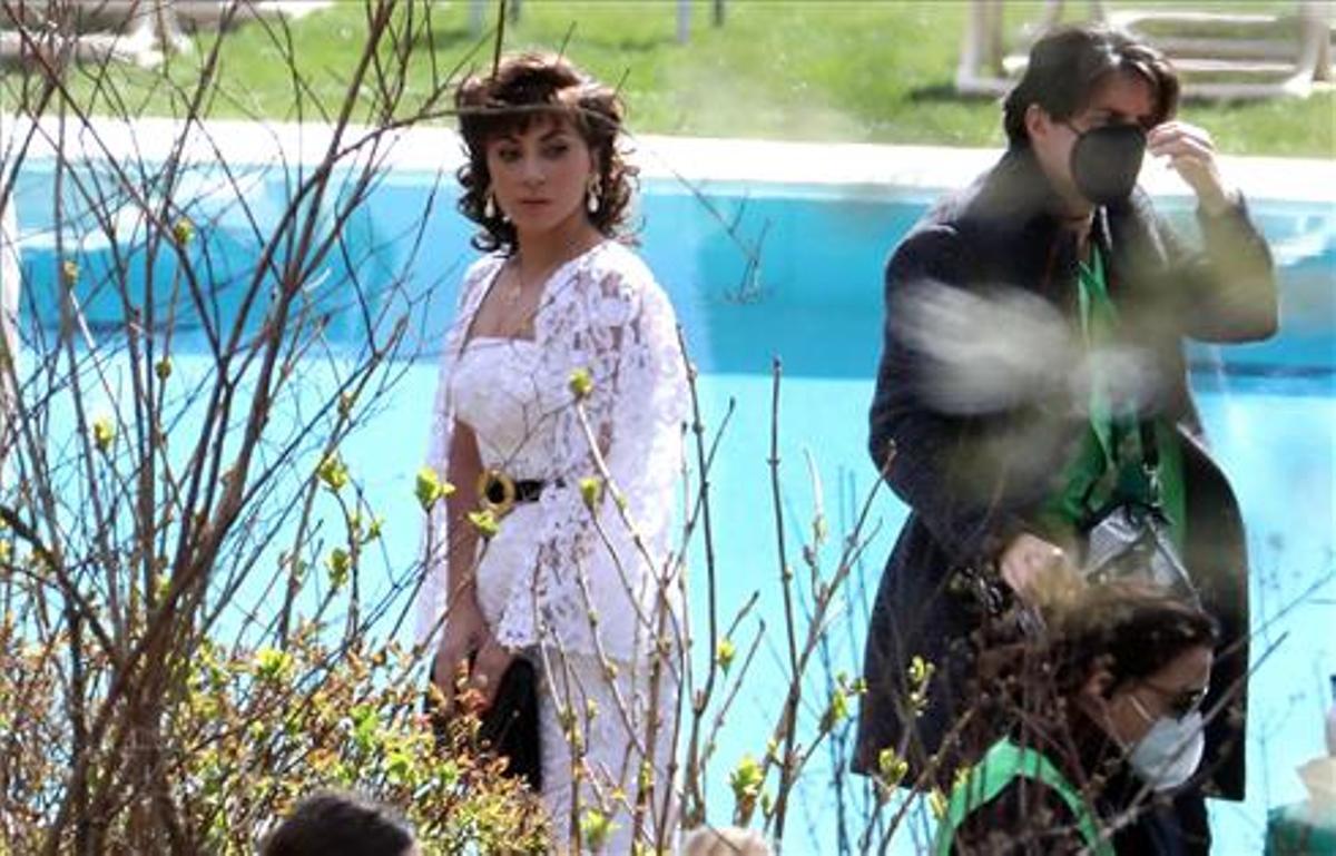 Lady Gaga y Adam Driver rodando la película 'House of Gucci en villa Balbiano en el lago Como, Italia. Efe - Mateo Bazzi