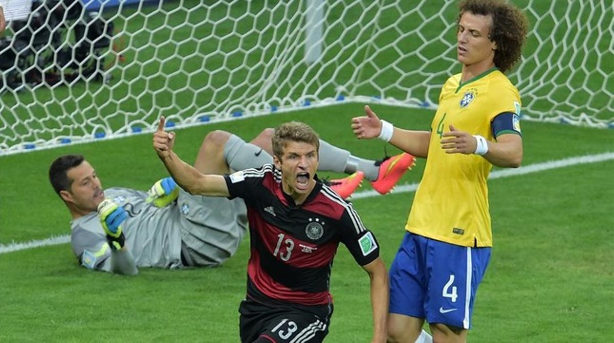 Thomas Müller marca el 0-1 que abrió el escandaloso resultado.