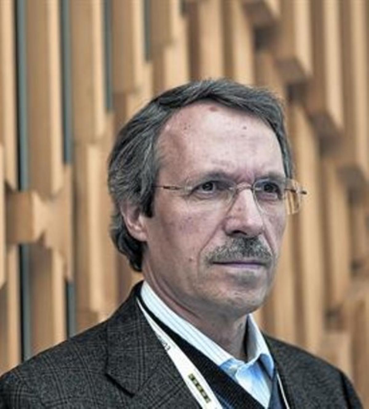 Josep Dalmau, investigador del IDIBAPS (izquierda) y Domingo Escudero, exjefe de Neurología en Can Ruti y afectado por una encefalitis autoinmune.