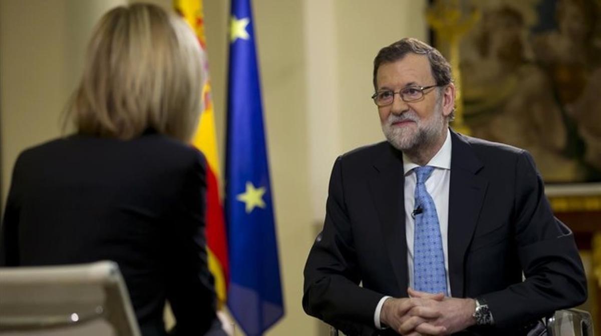El presidente del Gobierno en funciones, Mariano Rajoy, durante la entrevista que le ha realizado este miércoles Susana Griso para Antena 3.