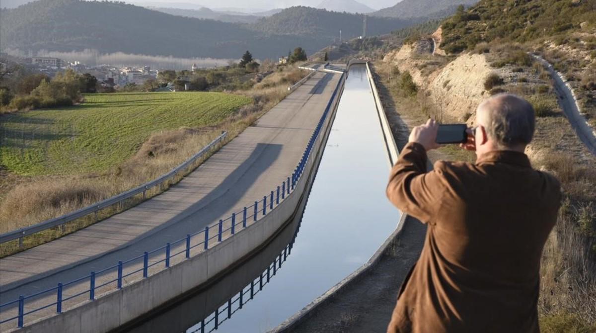 El canal Segarra-Garrigues a su paso por Ponts.