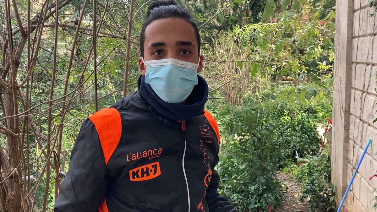 Mohamed, de 19 años, vivía con Amine, uno de los dos sintecho fallecidos en Barcelona.