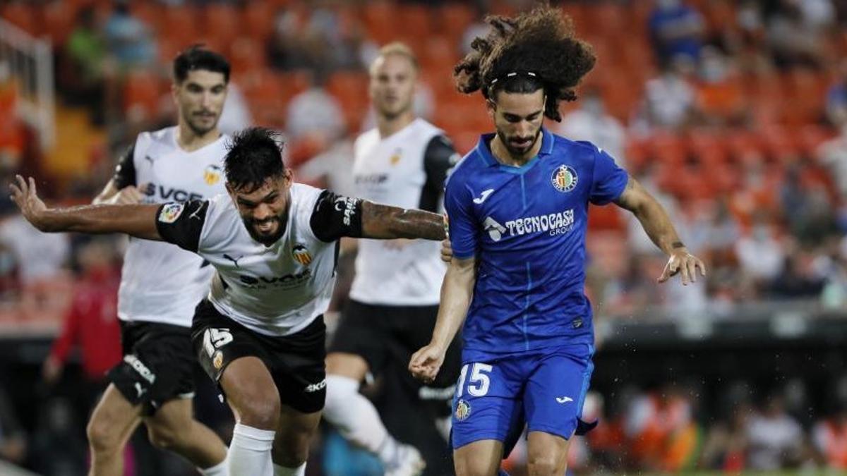 Cucurella, en el partido del Getafe contra el Valencia de la primera jornada.