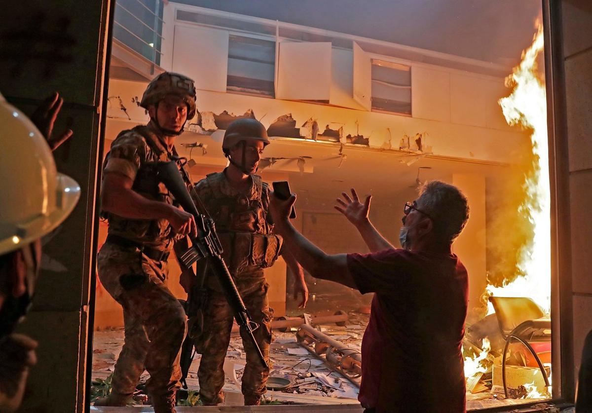 El Líban: Un mort i més de 700 ferits en l'assalt a les seus del Govern a Beirut