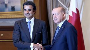 Qatar surt al rescat de Turquia amb una injecció de milers de milions de dòlars