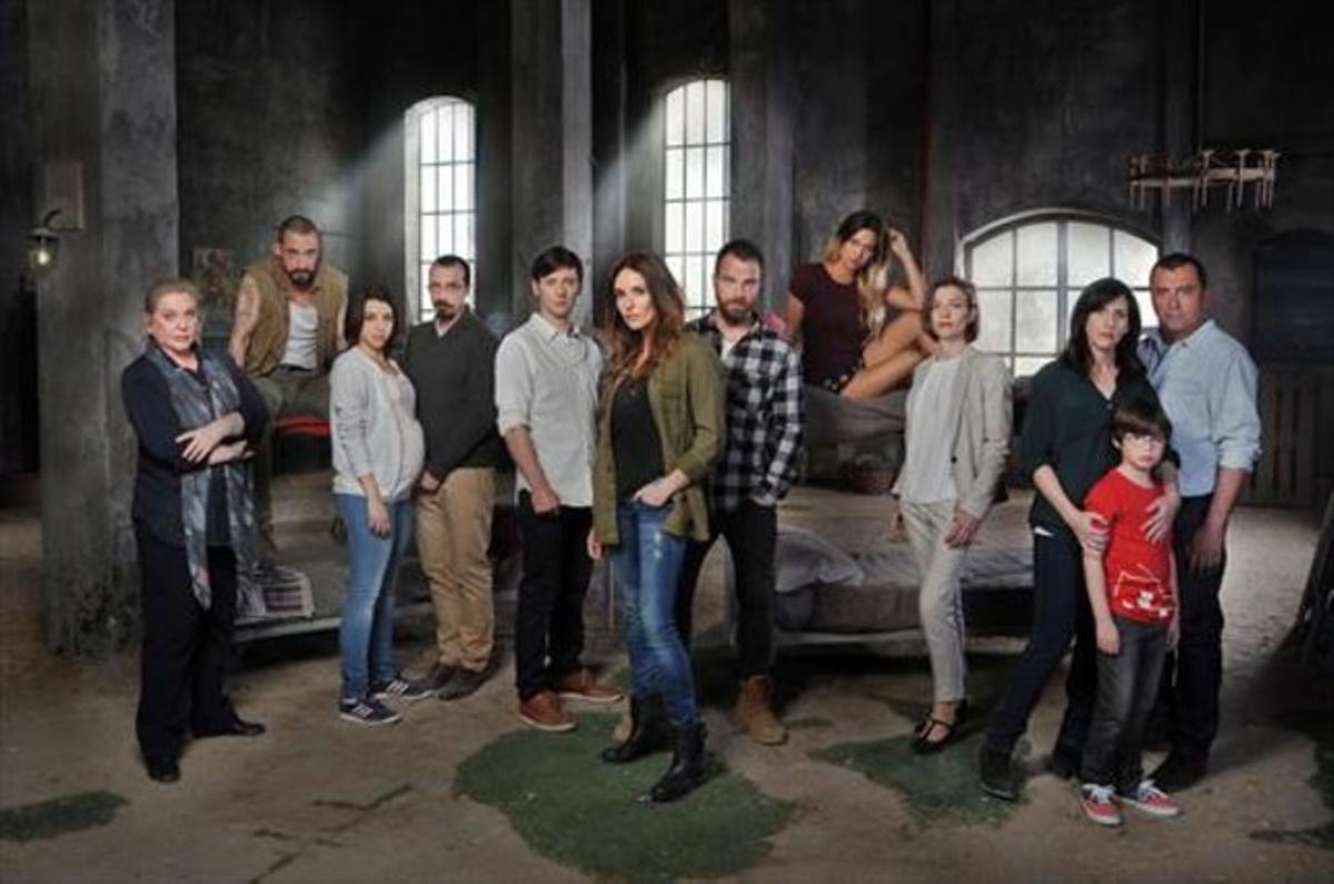 Los protagonistas de la nueva serie de Cuatro, 'Rabia', en una imagen promocional.
