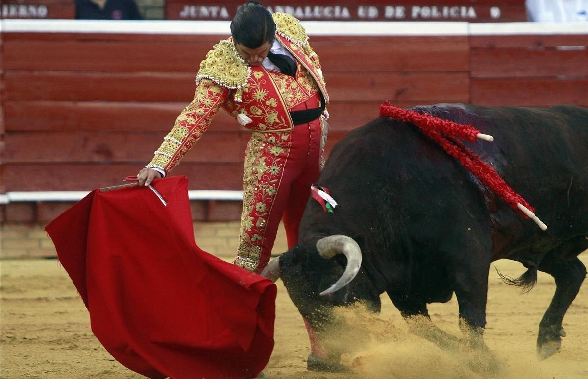 El diestro Morante de la Puebla, en una corrida en Huelva.