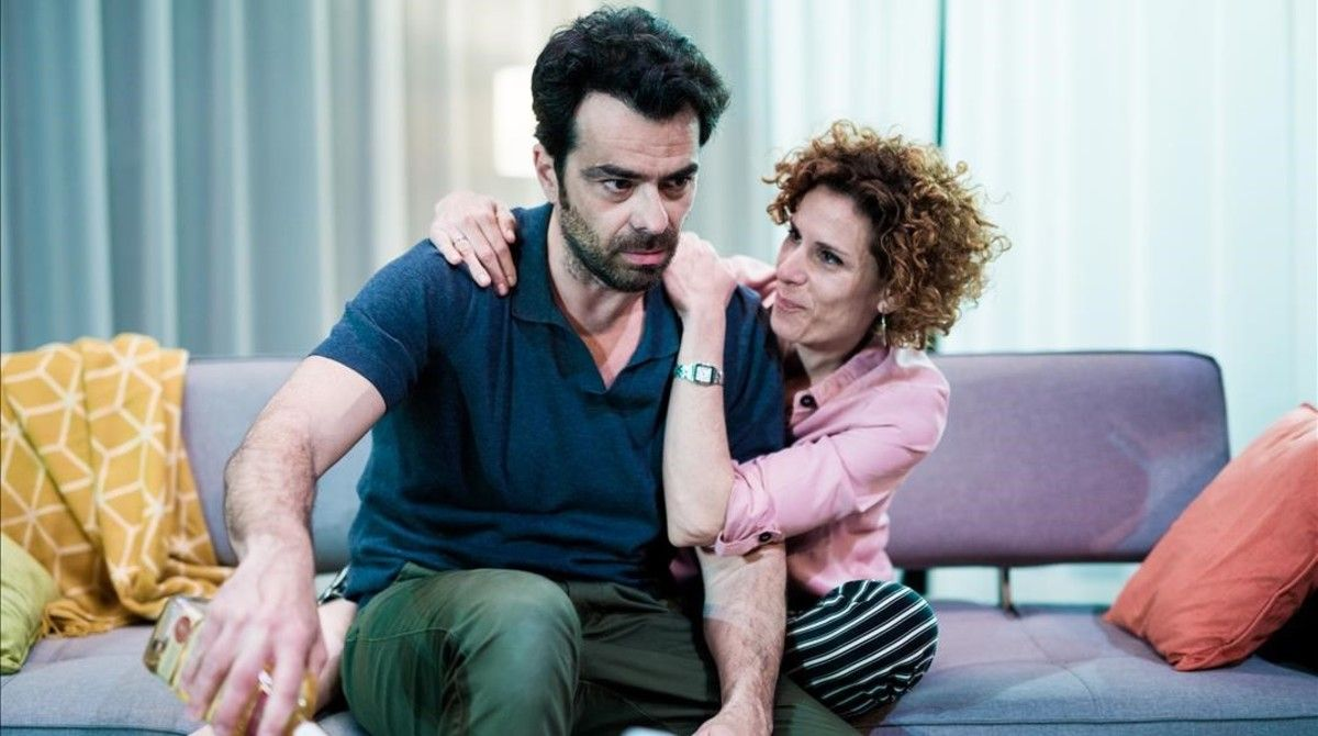 David Selvas y Marta Marco en una escena de 'Vides privades', de Noël Coward.