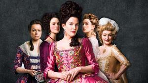 Lady Fitz (centro) acompañada por Margaret Wells, Charlotte Wells, Lucy Wells y Lydia Quigley.