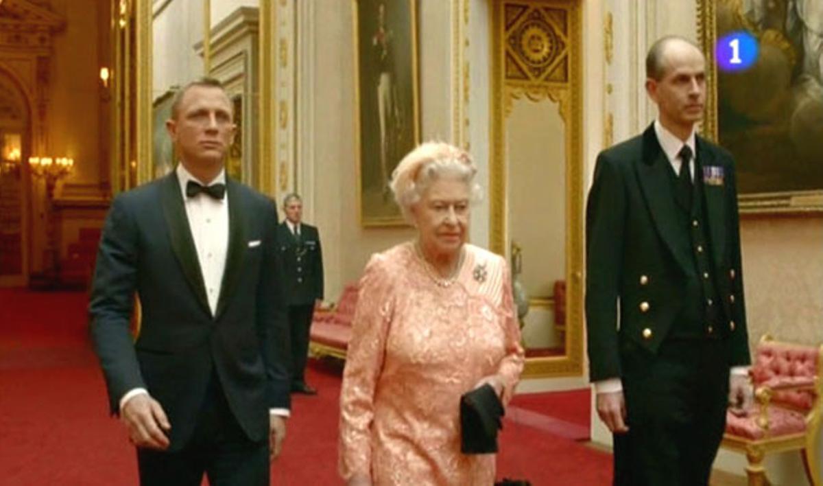El cameo de la Reina, en la inaguración de los JJ.OO de Londres 2012 (TVE-1).
