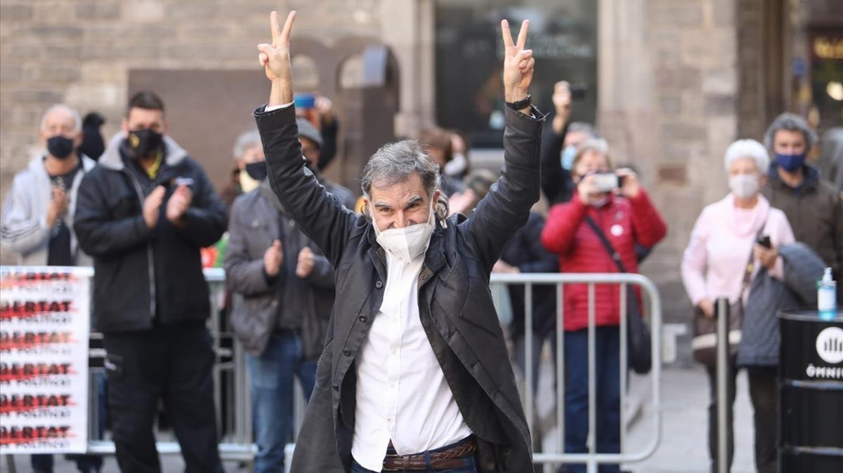 Jordi Cuixart a su llegada a un acto organizado por Òmnium tras salir de prisión con el tercer grado.