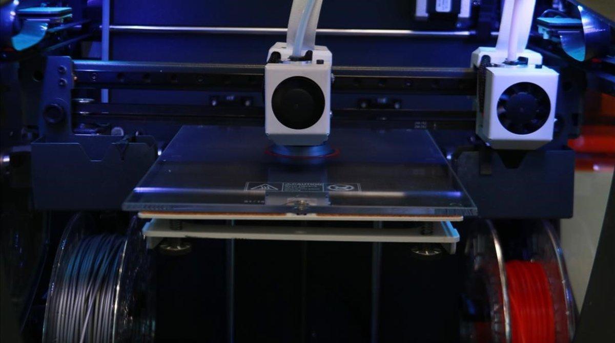 Impresora 3D en el 'hub' del Consorci de la Zona Franca.