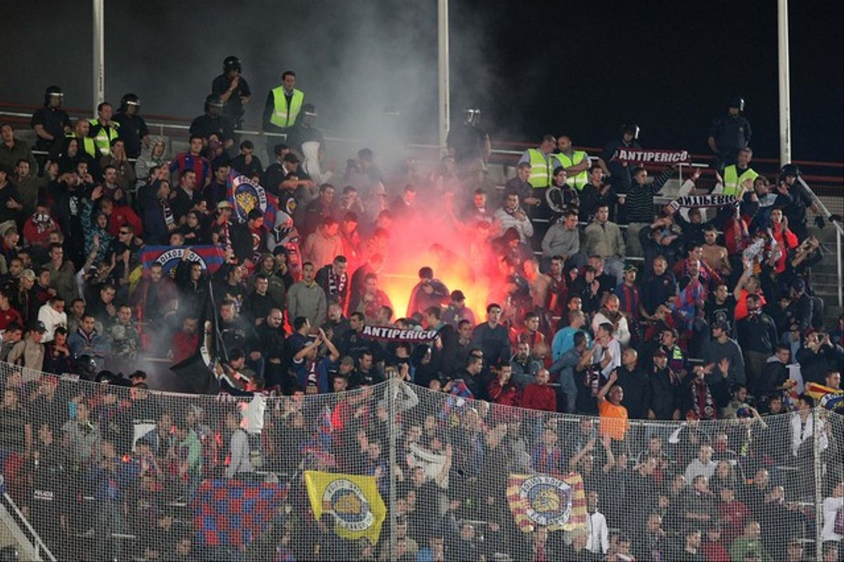 Boixos Nois, en el Espanyol-Barça disputado en el Estadi Olímpic de Montjuïc, en febrero del 2010.