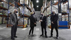 La Fundación la Caixa y CaixaBank dan el pistoletazo de salida a la segunda edición de la campana 'Ningún hogar sin alimentos'.